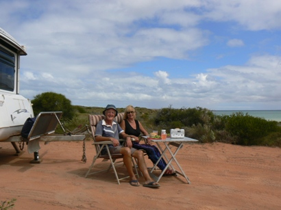 Lunch at delightful free camp site 22km S of Denham